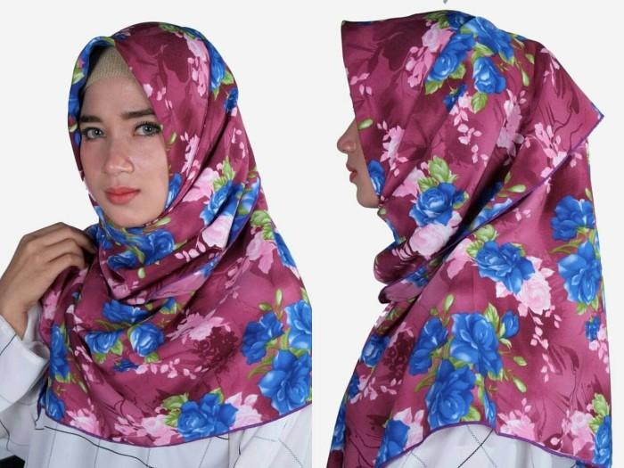 Jilbab segiempat motif bunga modern