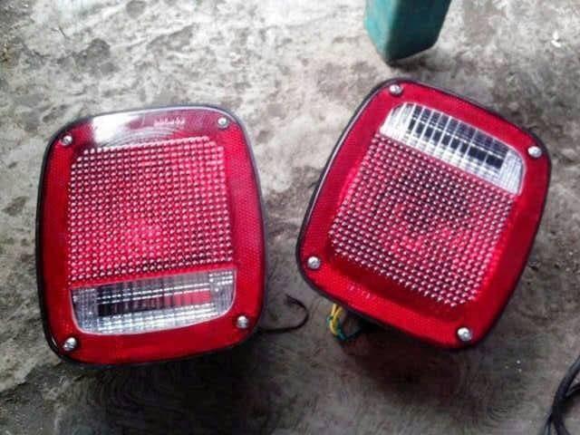 harga Stop lamp / tail light / lampu stop belakang jeep cj7 Tokopedia.com