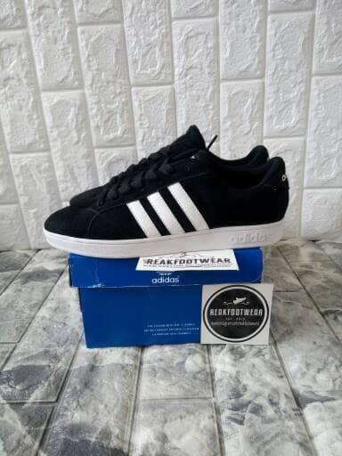 Sepatu adidas neo baseline suede black white