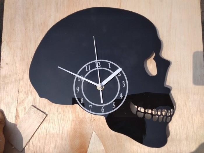 Jual Jam dinding Unik Akrilik Kepala Tengkorak - Mburing Unik ... f39974865e