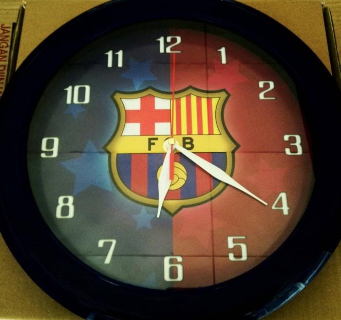 Jual Jam Dinding Klub Bola Wall Clock Barcelona Besar Diameter 30 cm ... 7cada7d259