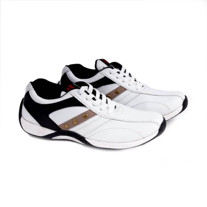 harga Sepatu sport / olahraga / running pria  putih garucci gda 068 Tokopedia.com