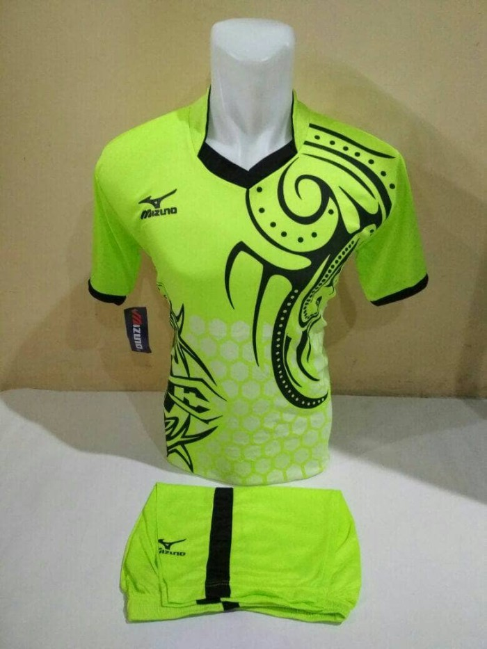harga setelan olahraga kaos bola jersey futsal baju volly mizuno batik  hijau Tokopedia.com 889688430e