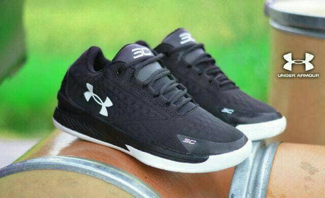 harga Sepatu Casual Running Sneakers Pria Under Armor 4 Tokopedia.com