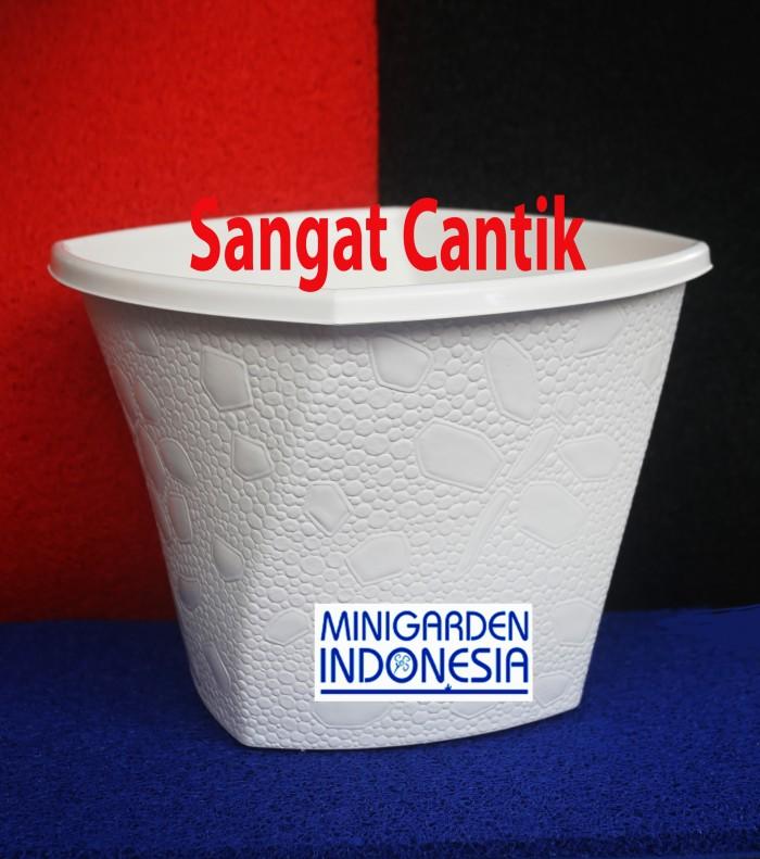 harga Pot plastik twister 40 cm vas bunga minimalis putih  semai bibit benih Tokopedia.com