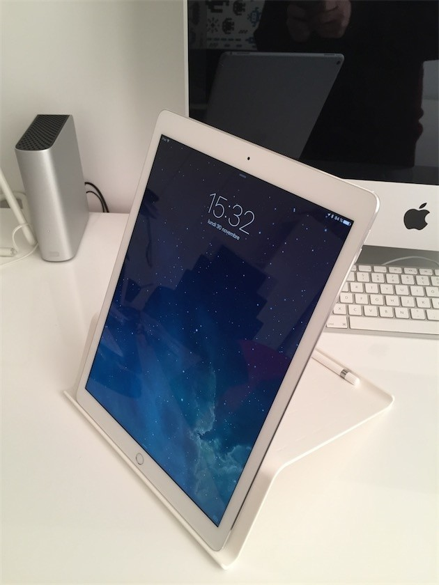 harga Holder tablet handphone hp android - tablet standing accessories putih Tokopedia.com