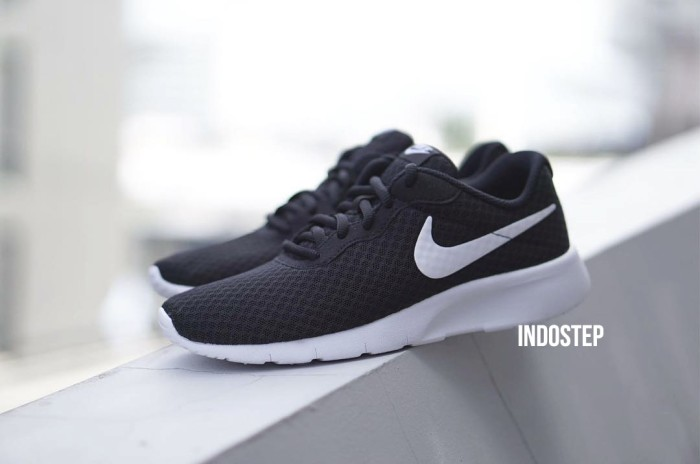 196f097e0 Jual DISKON 20% Sepatu Nike ORIGINAL Tanjun Black Navy Red Grey pria ...