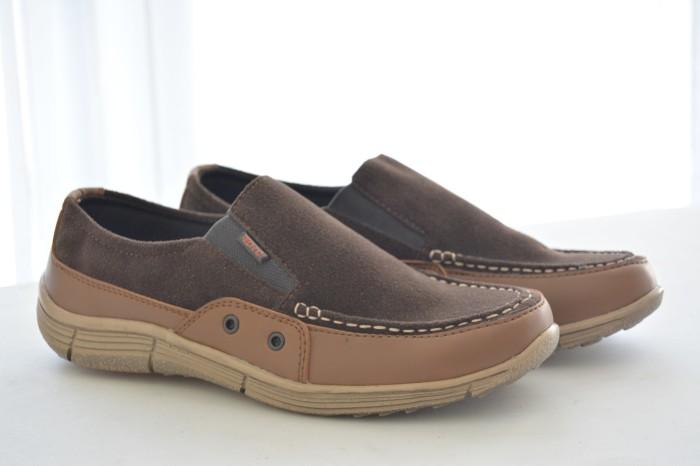 harga Sepatu sneaker terbaru murah kampus atau kerja redknot crypto coklat Tokopedia.com