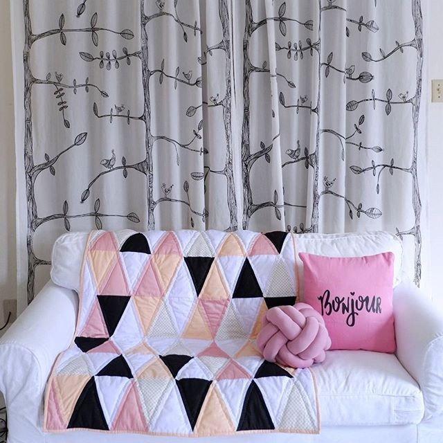 Jual Patchwork Quilt Selimut Bed Cover Pink Black White 95 X