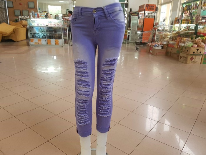 harga Celana panjang jeans strech size 27 28 29 30 sibek lapis dalam soft je Tokopedia.com