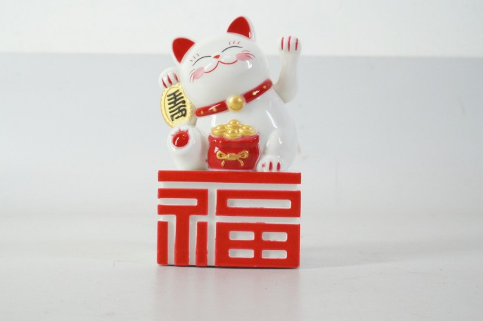 harga Patung kucing fu maneki neko 14 cm putih merah beruntung lucky cat Tokopedia.com