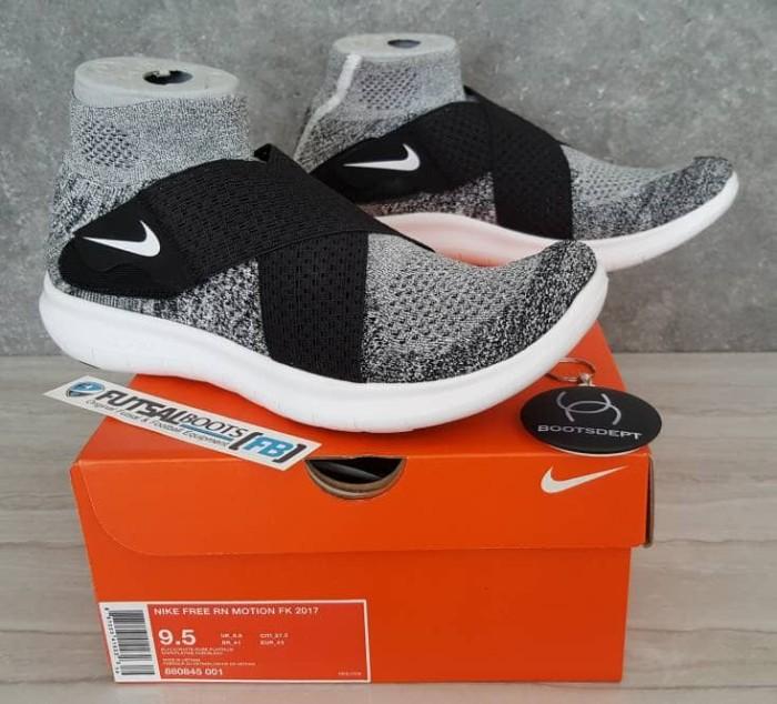 262f3f2ef71 Jual Nike Free RN Motion Flyknit 2017 - Oreo - Kab. Tangerang - Futsal  Boots/Boots Dept | Tokopedia