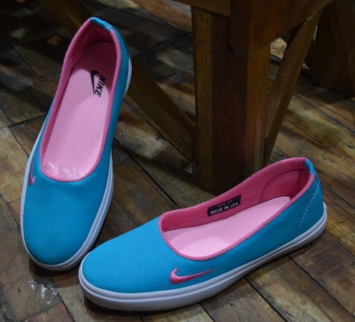 harga Sepatu casual wanita nike slip on original premium 4 warna 36-40 impor Tokopedia.com