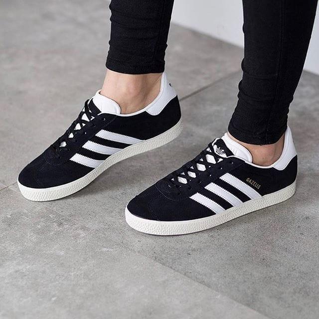 ... harga Sepatu wanita original adidas gazelle w trainer 2.0 black white  Tokopedia.com b7f21ca4a5