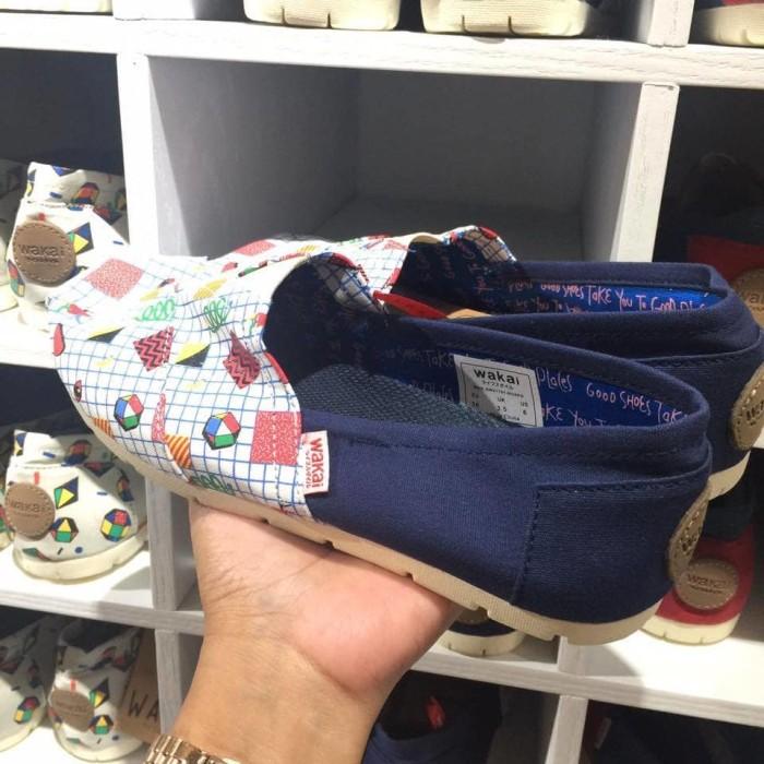 harga Sepatu wakai 31 navy original sale Tokopedia.com