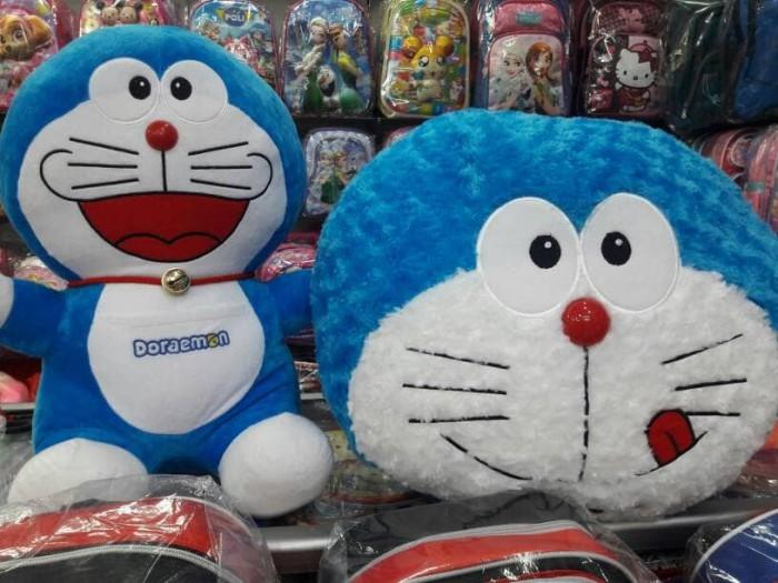 Jual Paket Boneka Doraemon Besar dan Bantal Kepala Doraemon Jumbo ... b5a80d3647
