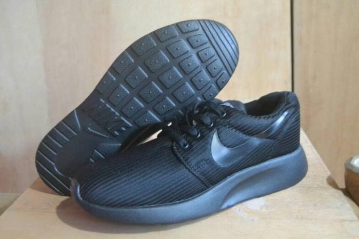 Jual sepatu nike adidas hitam polos sekolah anak murah cowok ... dddb2184f2