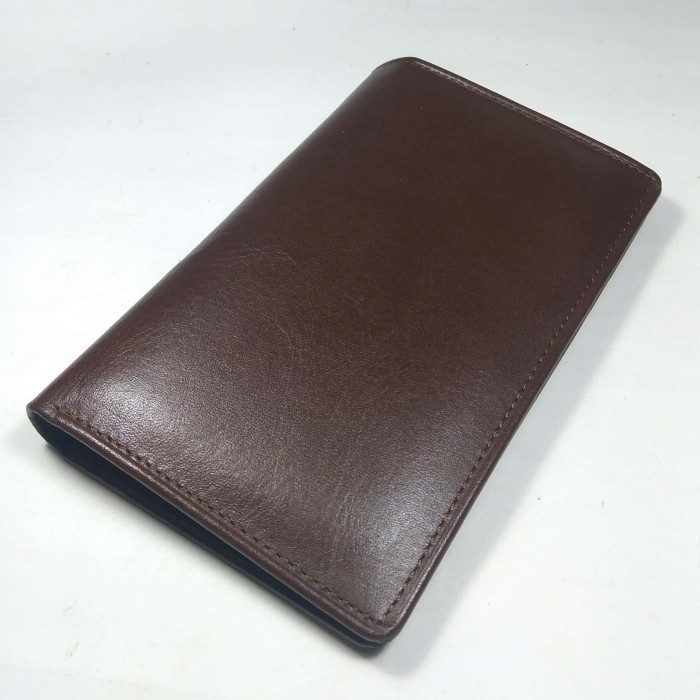 Foto Produk dompet medium unisex kulit asli warna coklat - medium wallet 3/4 dari philo