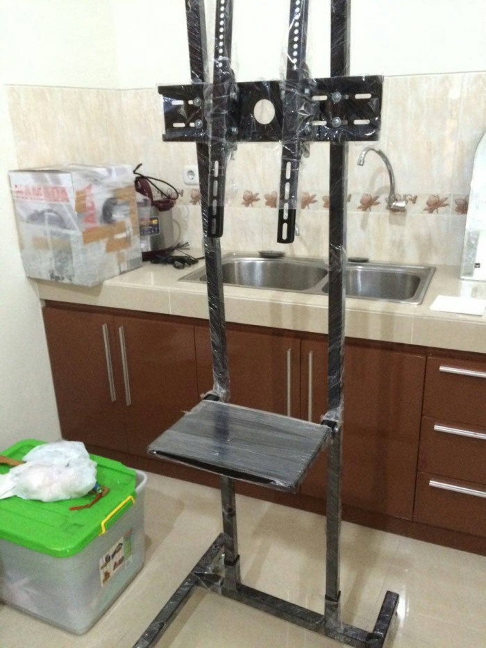Bracket stand 32 inch s/d 49  bisa gojek