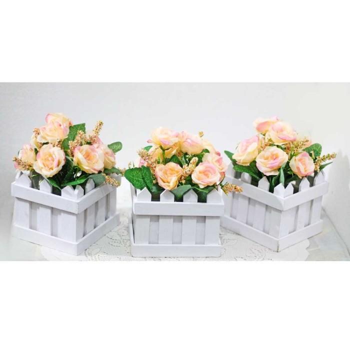 harga 1 set isi 3 bunga plastik hias artificial pot pagar kecil mawar rose 5 Tokopedia.com