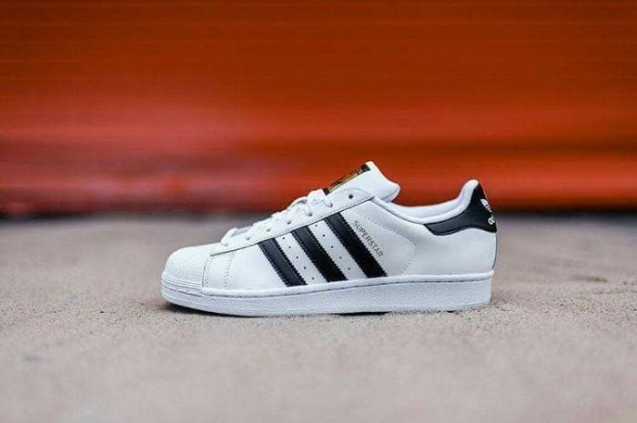 adidas superstar foundation white black harga