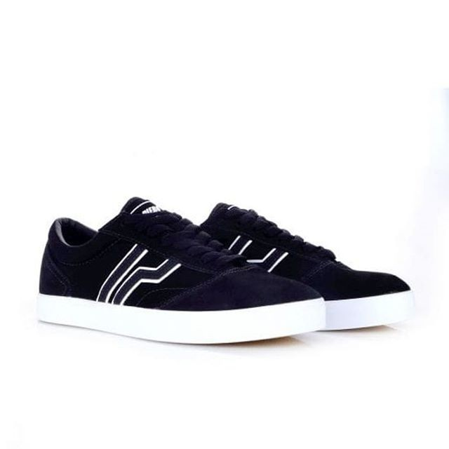 harga Sepatu piero classic benihana black white original piero Tokopedia.com
