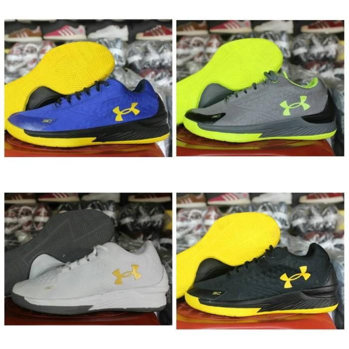 ... SC 3ZER0 II untuk Pria Muda . Source · sepatu basket under armour sepatu  olahraga pria murah 892f13feb5