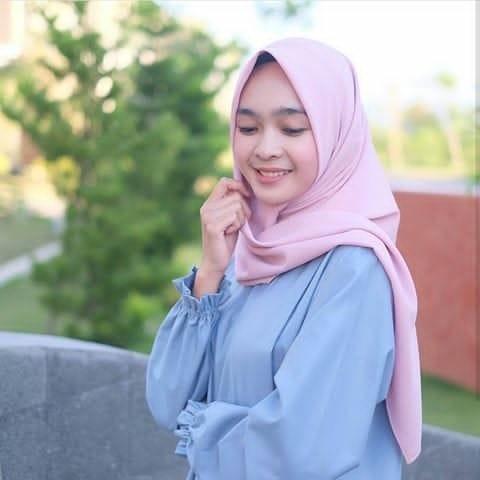Jual Jilbab Segi Empat Diamond Crepe Hijab Jilbab Amorafashion