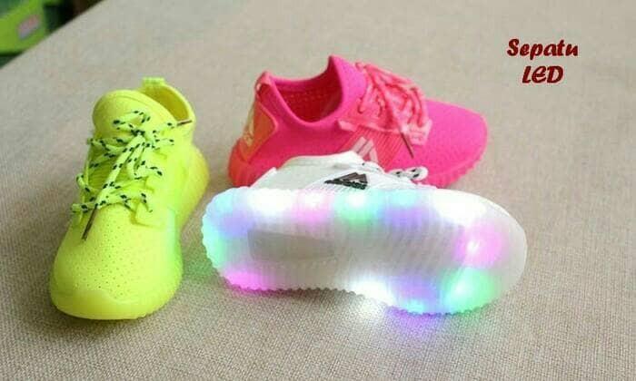 Jual Murah Sepatu kets anak LED model tali di Kota Tangerang Selatan ... d199fe7334