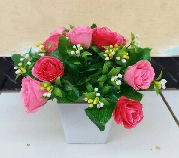 harga Bunga mawar pink plastik/bunga hias plastik/bunga mawar hiasan meja Tokopedia.com