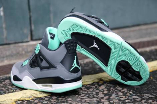 Jual Nike Air Jordan 4 Retro Green Glow Sepatu Pria Sneakers PREMIUM ... 5fbc1612b3