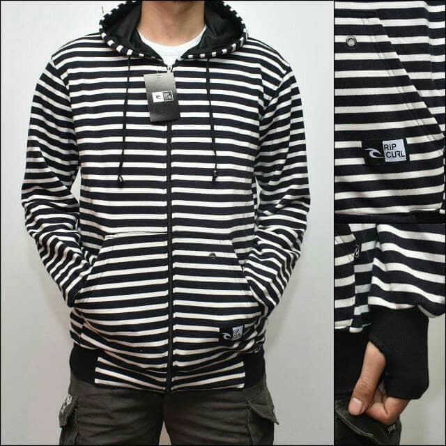harga Jaket zipper hoodie premium blaster belang stripe garis hitam putih Tokopedia .