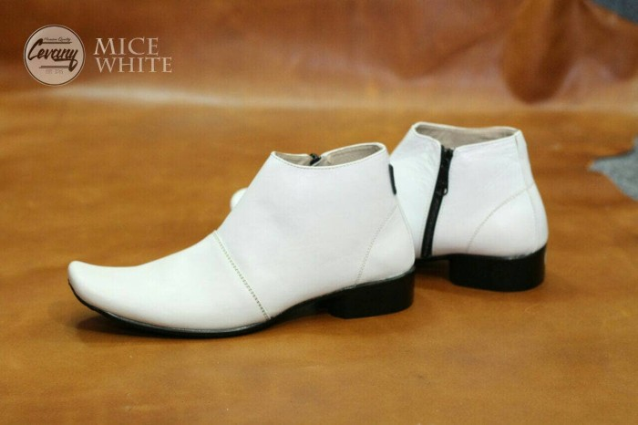 harga Sepatu formal pria cevany mice pantofel tinggi sleting kulit putih  Tokopedia.com 343c9445d0
