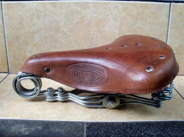 harga Sadel gelung sepeda onthel kulit asli gagah berkarakter Tokopedia.com