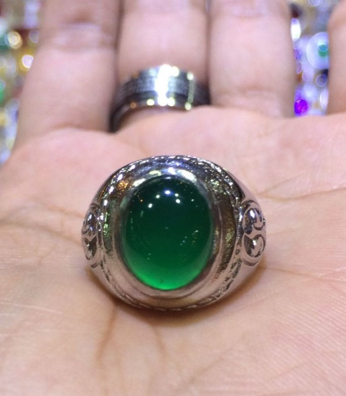 harga Cincin titanium tanam batu hijau garut size kantoran hq Tokopedia.com
