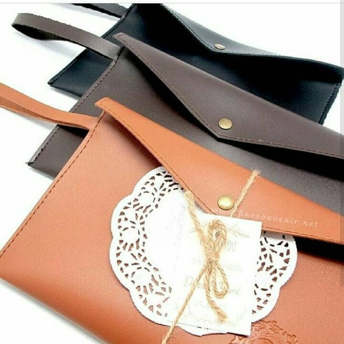 Jual Souvenir pernikahan   wedding leather pouch dompet Kulit - Mama ... 5978674392
