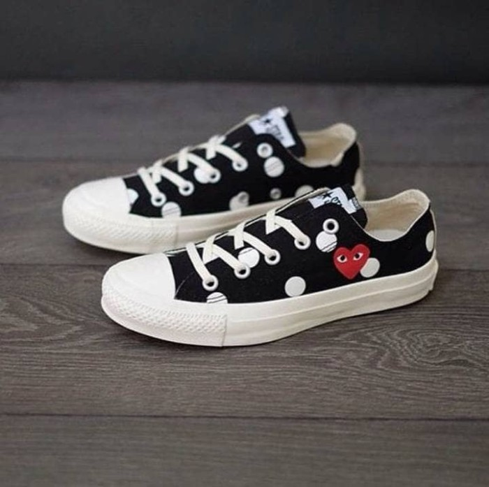 5e1b3d91086b Jual Sneakers Cdg Play Polka Dot Low Black Converse Chuck Taylor 70 ...