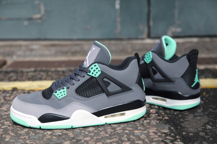 Jual Nike Air Jordan 4 Retro