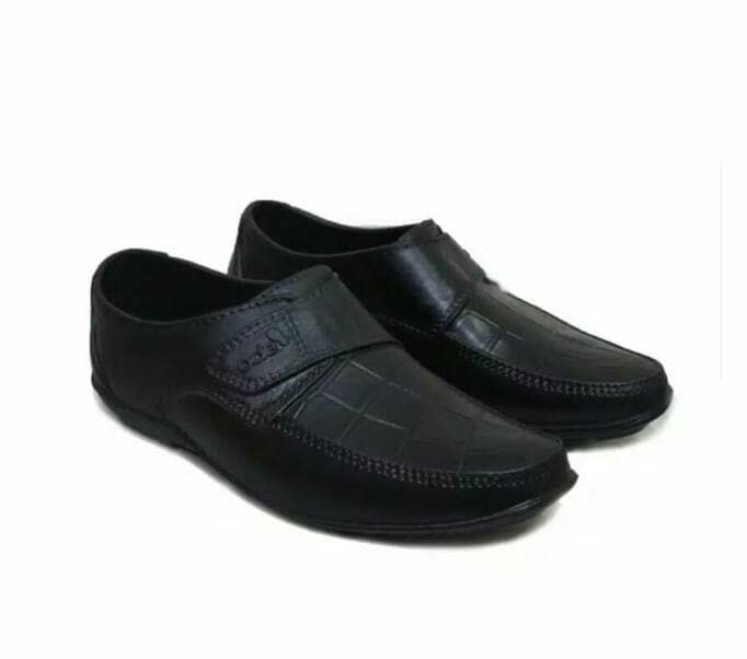 harga Sepatu karet pria formal/pantofel motif croco size 44 Tokopedia.com
