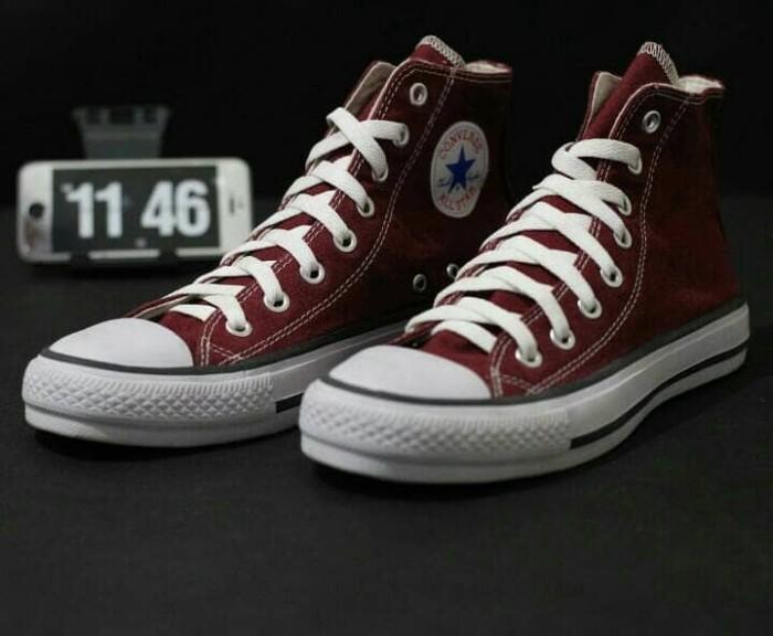 Jual Sepatu Converse Allstar Tinggi Pendek Vietnam Kado Hadiah Pria ... e5a2a987ef