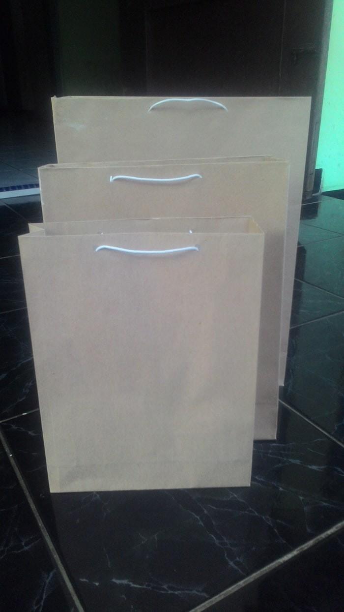 Foto Produk Paper Bag   Shopping Bag   Tas Kertas Polos Ukuran 22 x 6 x 27 dari Nagi Snack