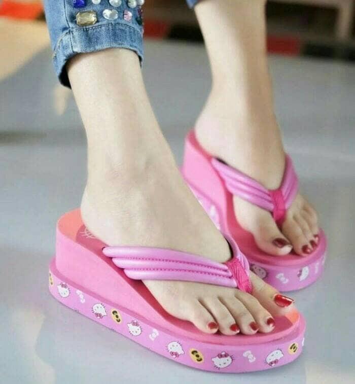 harga Dn19 pink sandal sendal japit jepit wedges karakter hello kitty spon Tokopedia.com