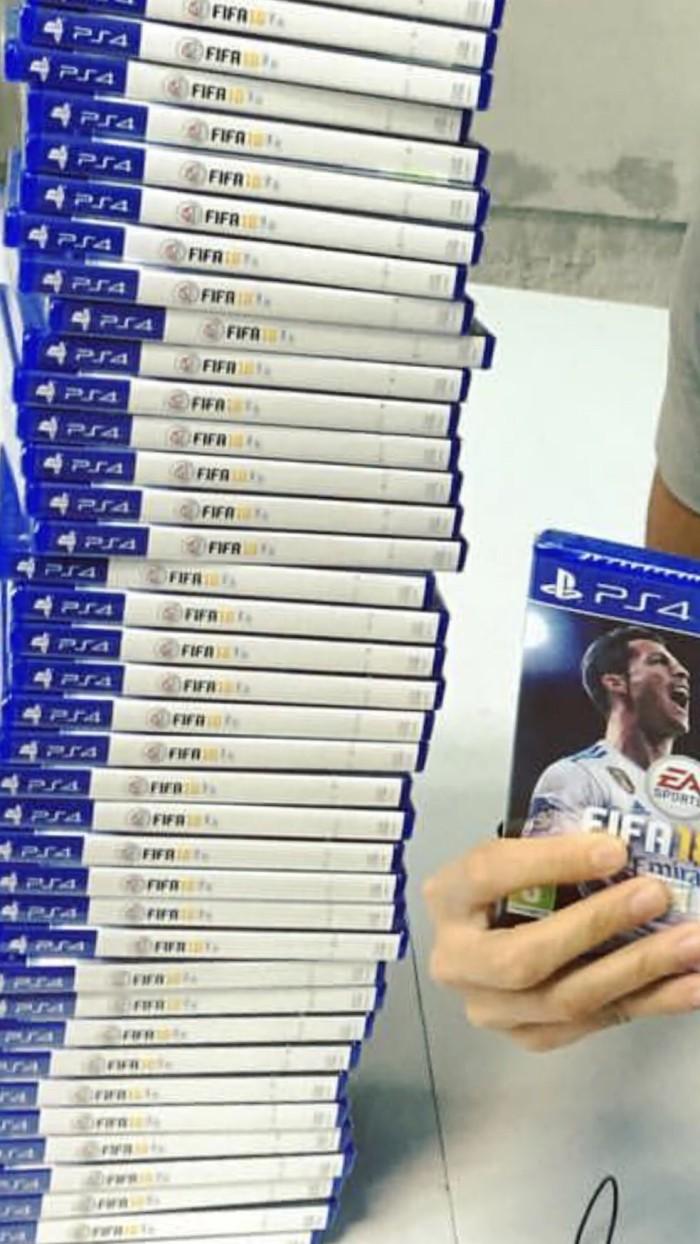Jual Fifa 18 Ready Hari Pertama Ps4 Reg3 Hagemaru Shop Tokopedia Reg 3 Standard Edition
