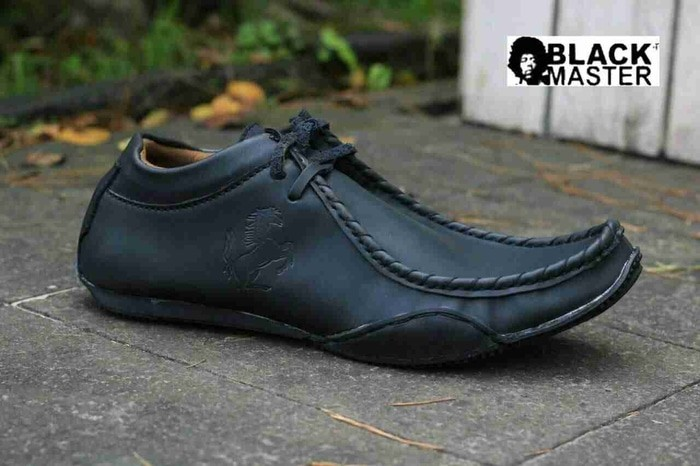 harga Sepatu blackmaster casual ferrari tali helios hitam Tokopedia.com