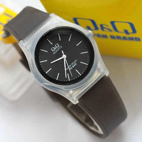 harga Jam tangan cewek sport q&q vq04 hitam transparan remaja teen watch ori Tokopedia.com