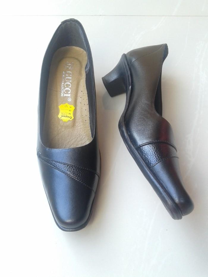 Jual Sepatu Wanita Pantofel Kerja Kulit Asli Gucci 554 Hitam 5k ... 1001a09076