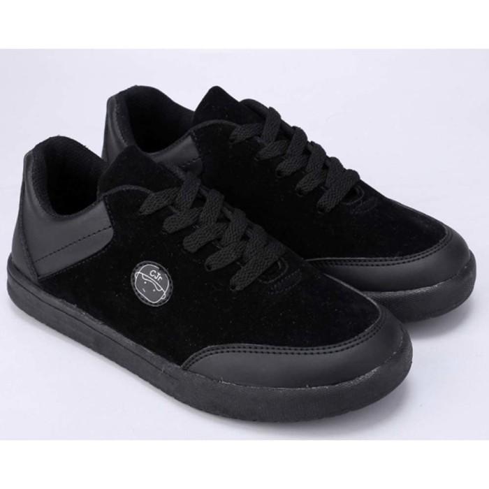 harga Sepatu sekolah anak laki-laki cowok sd warna hitam cjr csn 089 cr Tokopedia.com