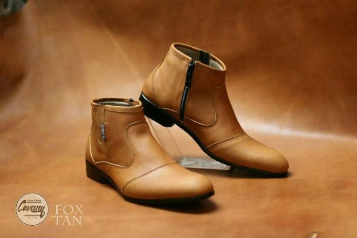Foto Produk Sepatu Cevany Pantofel | Sepatu Slip On Slop | Boots Casual 3 dari kickers leather