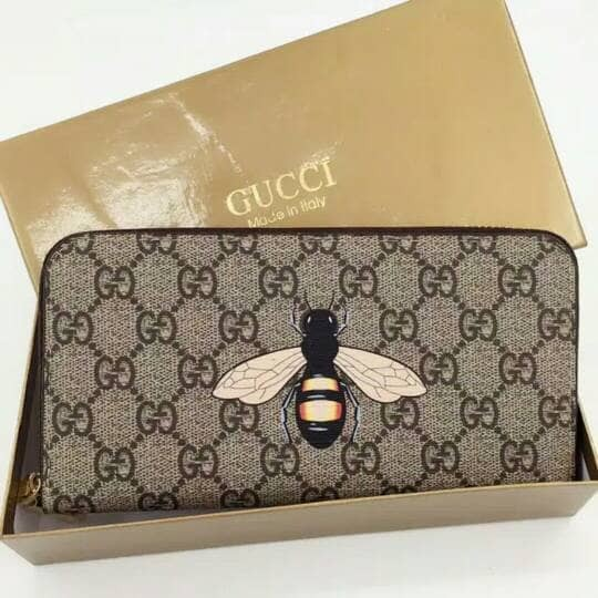 Dompet Gucci Bee Print Gg Supreme Zip Around Wallet Import bawah 0305bc95d6