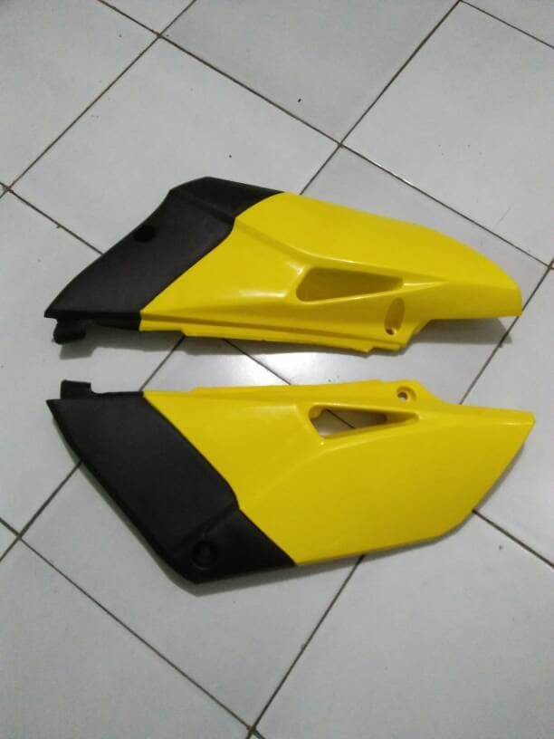harga Body panel samping belakang kiri kanan yamaha yz 85 new cross trail Tokopedia.com